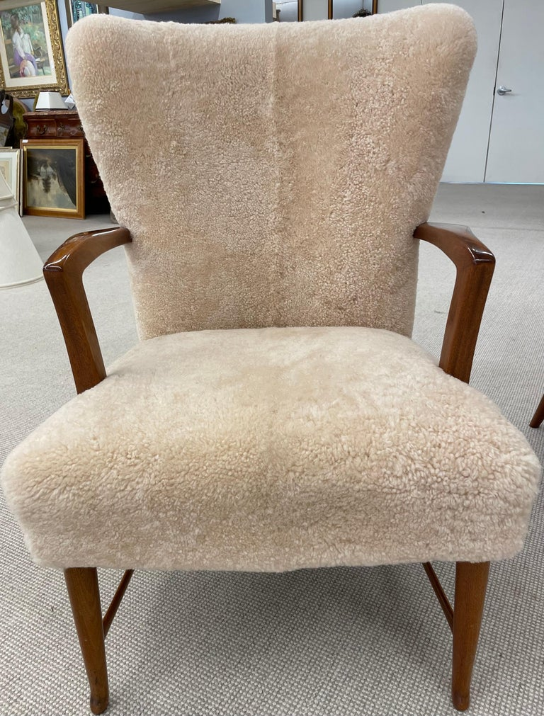 Mid-Century Modern Pair of Paola Buffa Style Italian Lounge Chairs in Neutral Sheepskin For Sale