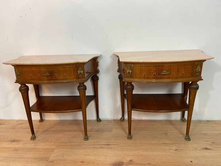 Mid-Century Modern Pair of Paolo Buffa Bedside Tables For Sale