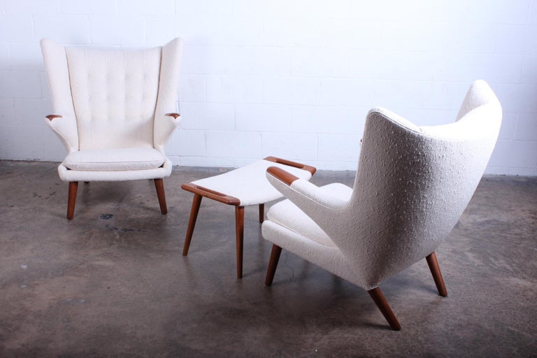 Pair of Papa Bear Chairs and Ottoman by Hans Wegner For Sale 9