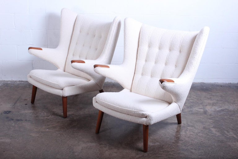 Mid-20th Century Pair of Papa Bear Chairs and Ottoman by Hans Wegner For Sale