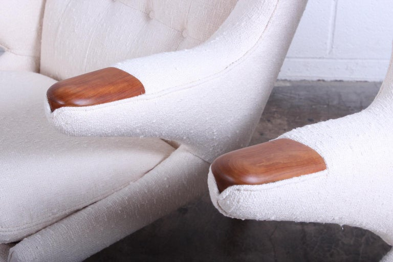 Pair of Papa Bear Chairs and Ottoman by Hans Wegner For Sale 1