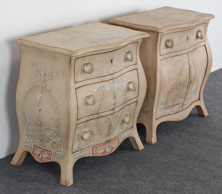 online retailer c6756 3ba7a Pair of Patina Furniture Company Italian Painted Bedside Tables, 1980s