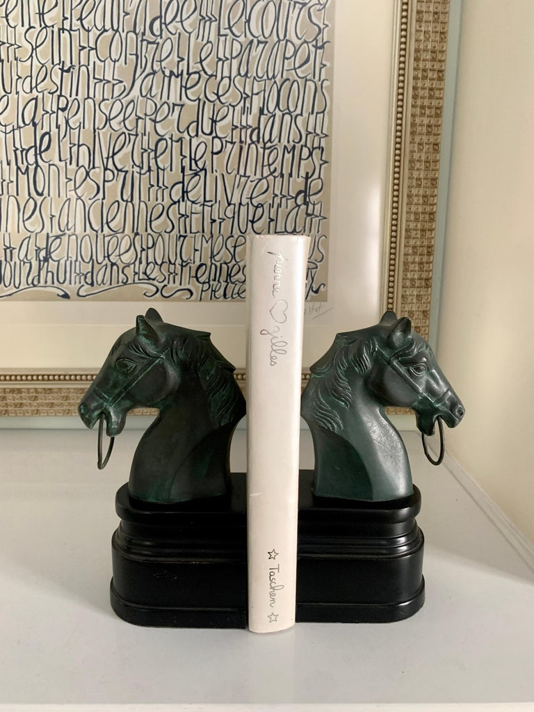 American Classical Pair of Patinated Bronze Horse Head Bookends on Stand For Sale