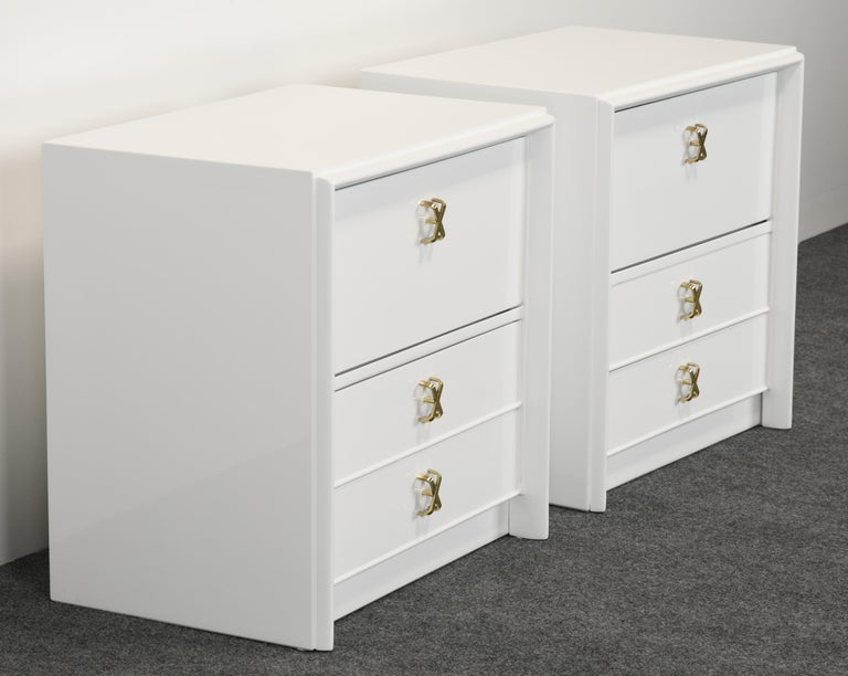 Mid-Century Modern Pair of Paul Frankl Italian Lacquered Bedside Tables, 1940s For Sale