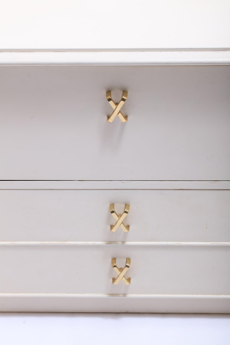 American Pair of Paul Frankl Ivory Lacquered Night Stands with Brass X Pulls, circa 1950 For Sale