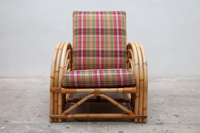 Hand-Crafted Pair of Paul Frankl Style Pretzel Bamboo Patio Lounge Chairs, Mid-Century Modern For Sale