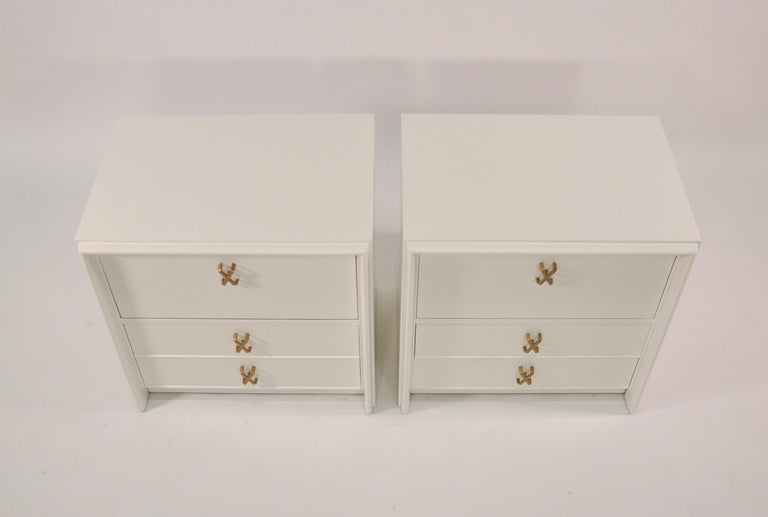 Pair of Paul Frankl White Lacquered Nightstands or Side Tables For Sale 2