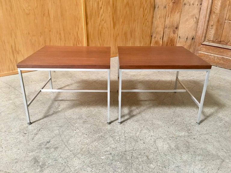 Mid-Century Modern Pair of Paul McCobb End Tables For Sale