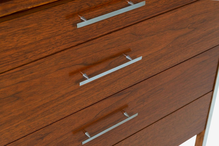 Pair of Paul McCobb for Calvin Dressers For Sale 4