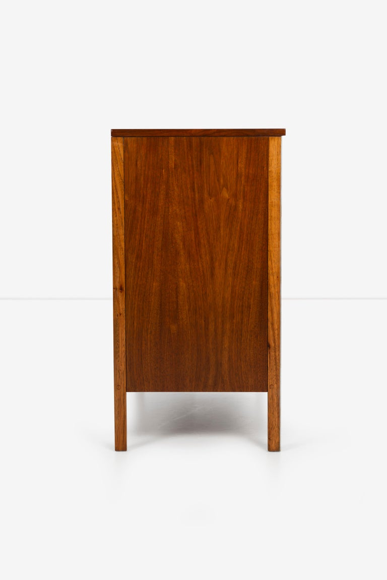 Pair of Paul McCobb for Calvin Dressers For Sale 5