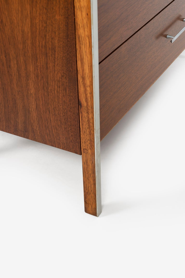 Pair of Paul McCobb for Calvin Dressers For Sale 6