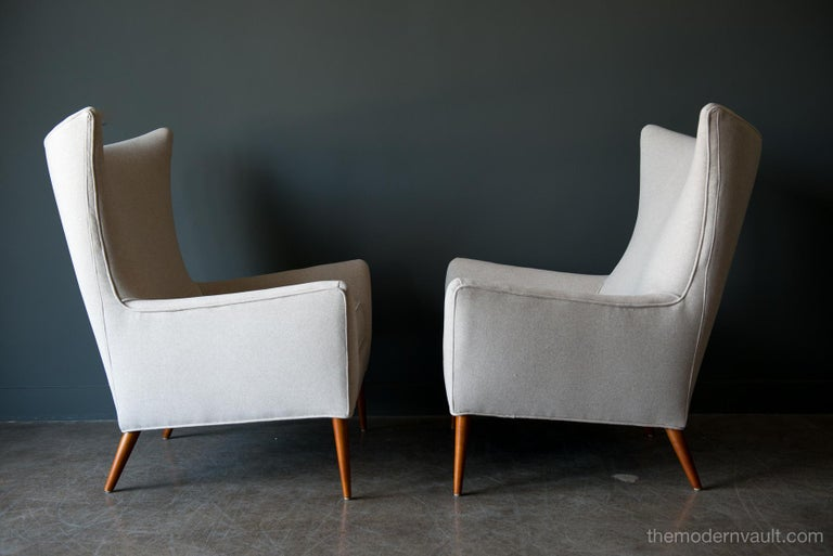 Pair of Paul McCobb Model 3015 Wingback Lounge Chairs, circa 1955 In Excellent Condition For Sale In Costa Mesa, CA