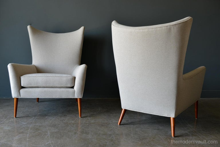 Mid-20th Century Pair of Paul McCobb Model 3015 Wingback Lounge Chairs, circa 1955 For Sale