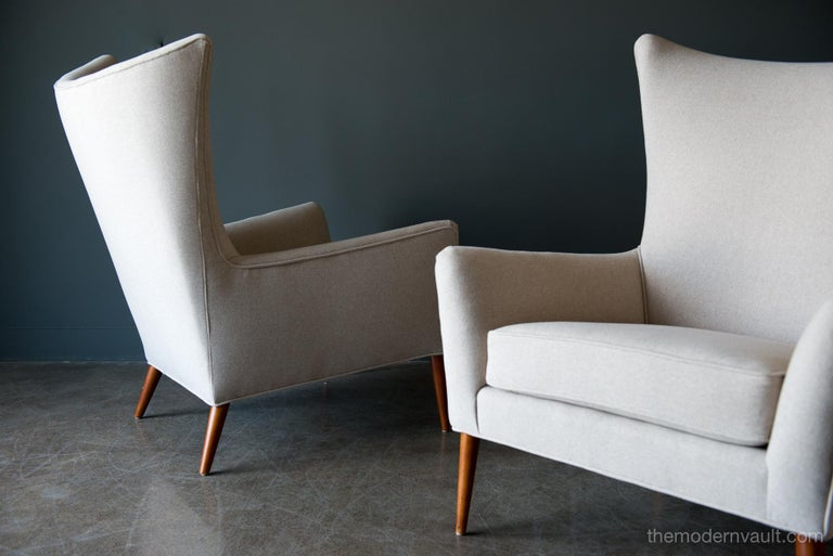 Felt Pair of Paul McCobb Model 3015 Wingback Lounge Chairs, circa 1955 For Sale