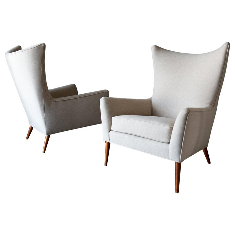 Pair of Paul McCobb Model 3015 Wingback Lounge Chairs, circa 1955 For Sale