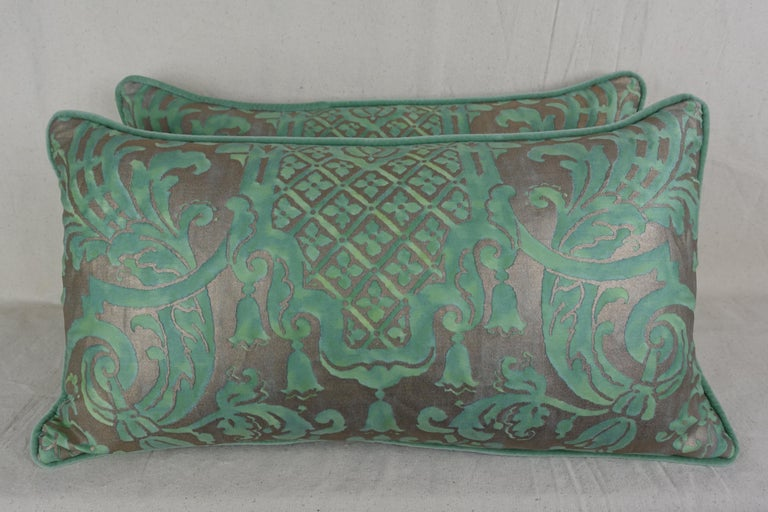 Pair of Peacock Carnavalet Fortuny Textile Pillows In Distressed Condition For Sale In Los Angeles, CA