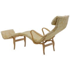 Pair of Pernilla Chaise Lounges by Bruno Mathsson