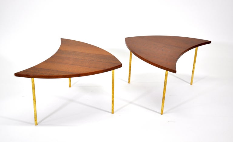 Pair of midcentury Danish modern interlocking modular model 523 end tables from the segmented Pinwheel series designed by Peter Hvidt in 1952 for France and Daverkosen (later renamed France and Son). The shield shaped occasional tables can be placed