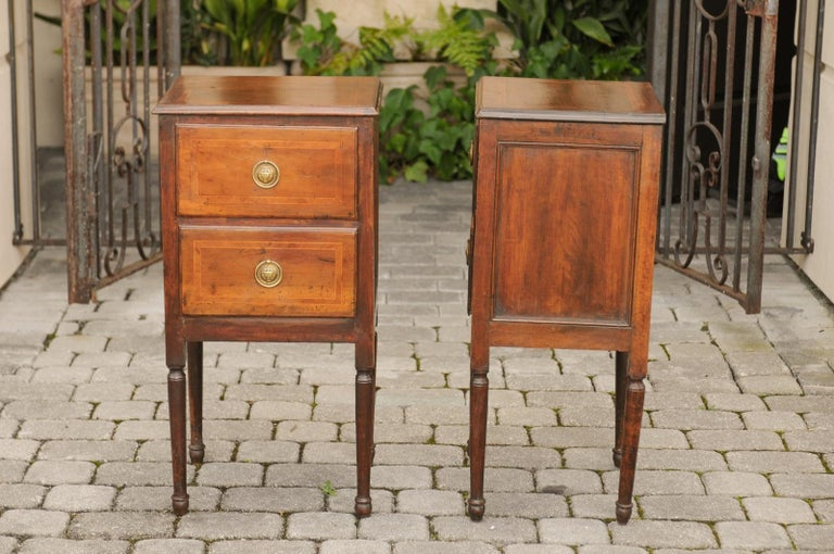 Pair of Petite Italian 1820s Walnut Two-Drawer Commodes with Crossbanded Inlay For Sale 7