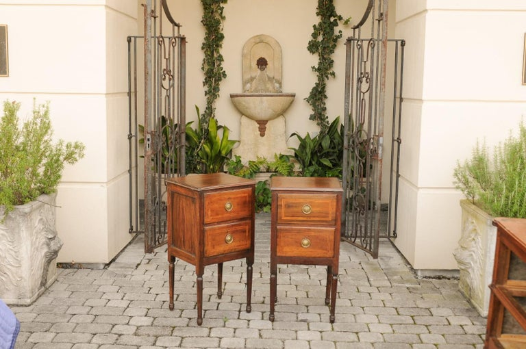 Pair of Petite Italian 1820s Walnut Two-Drawer Commodes with Crossbanded Inlay In Good Condition For Sale In Atlanta, GA