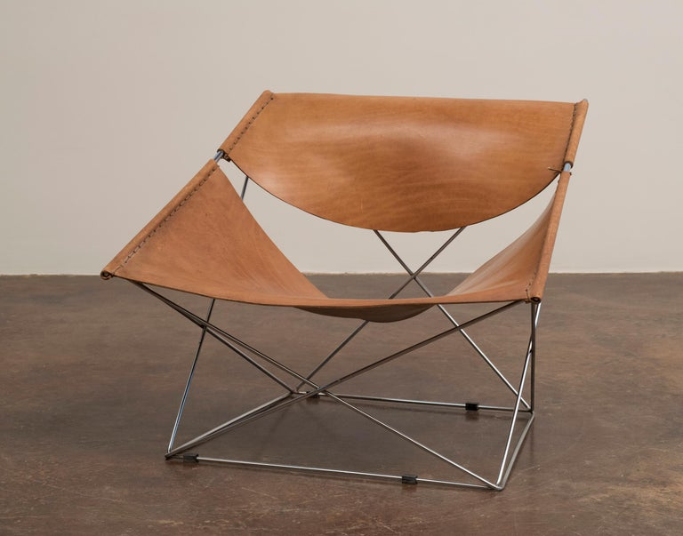 French Pair of Pierre Paulin Butterfly Chairs in Original Leather, France, 1963 For Sale