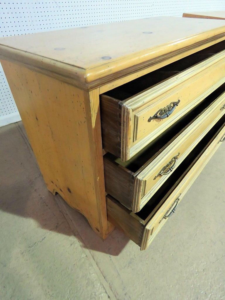 20th Century Pair of English Country Pine Dresser Commode Chests C1930s For Sale