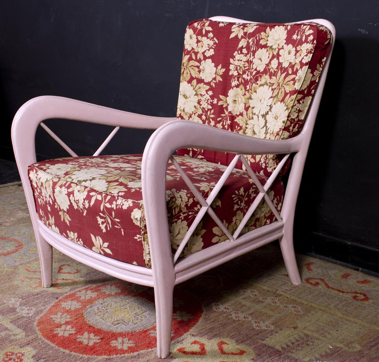 Wood Pair of Pink Italian Midcentury Armchairs Paolo Buffa Style, 1950s For Sale