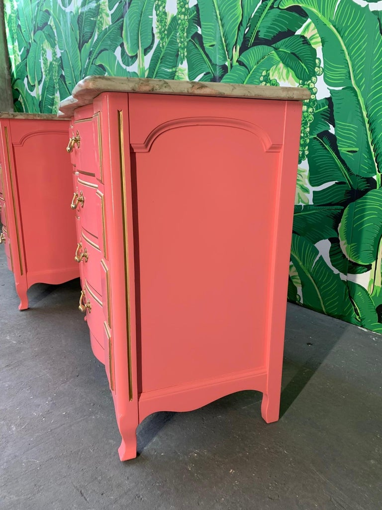 Pair of Pink Lacquered Marble-Top French Provincial Dressers by John Widdicomb In Good Condition For Sale In Jacksonville, FL