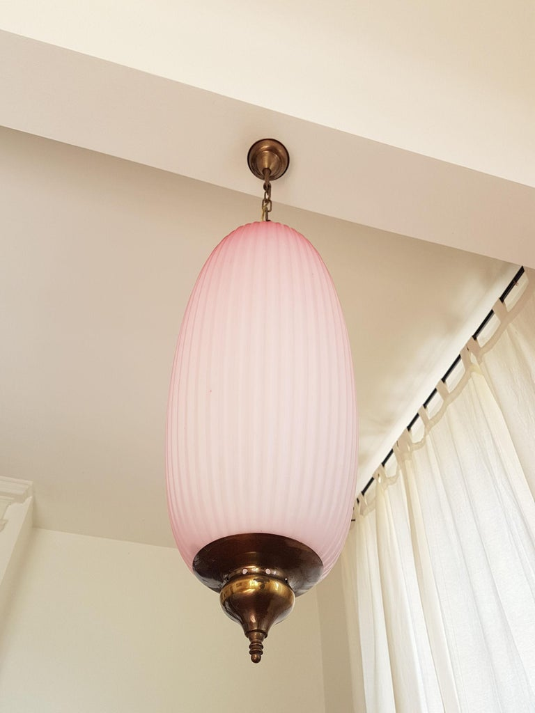Italian Pair of Pink Mid-Century Modern Glass Chandeliers, Caccia Dominioni Style, 1960s For Sale