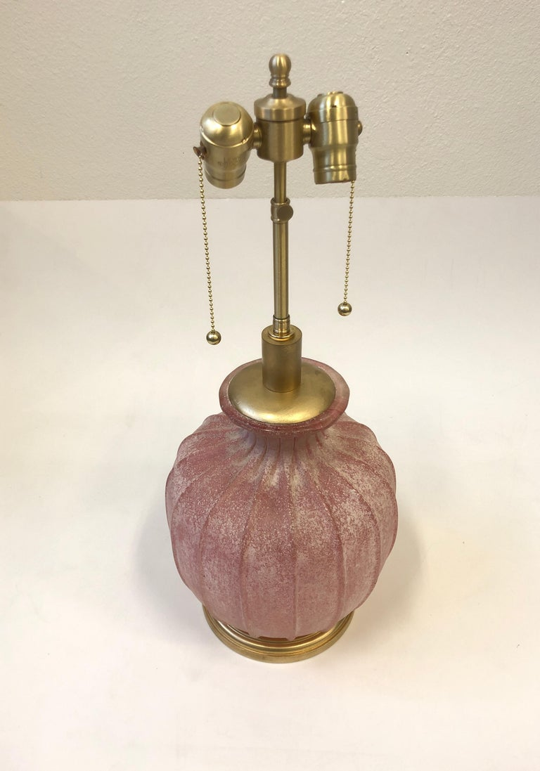 Pair of Pink Scavo Murano Glass Table Lamps by Seguso Vetri d'Arte In Excellent Condition For Sale In Palm Springs, CA