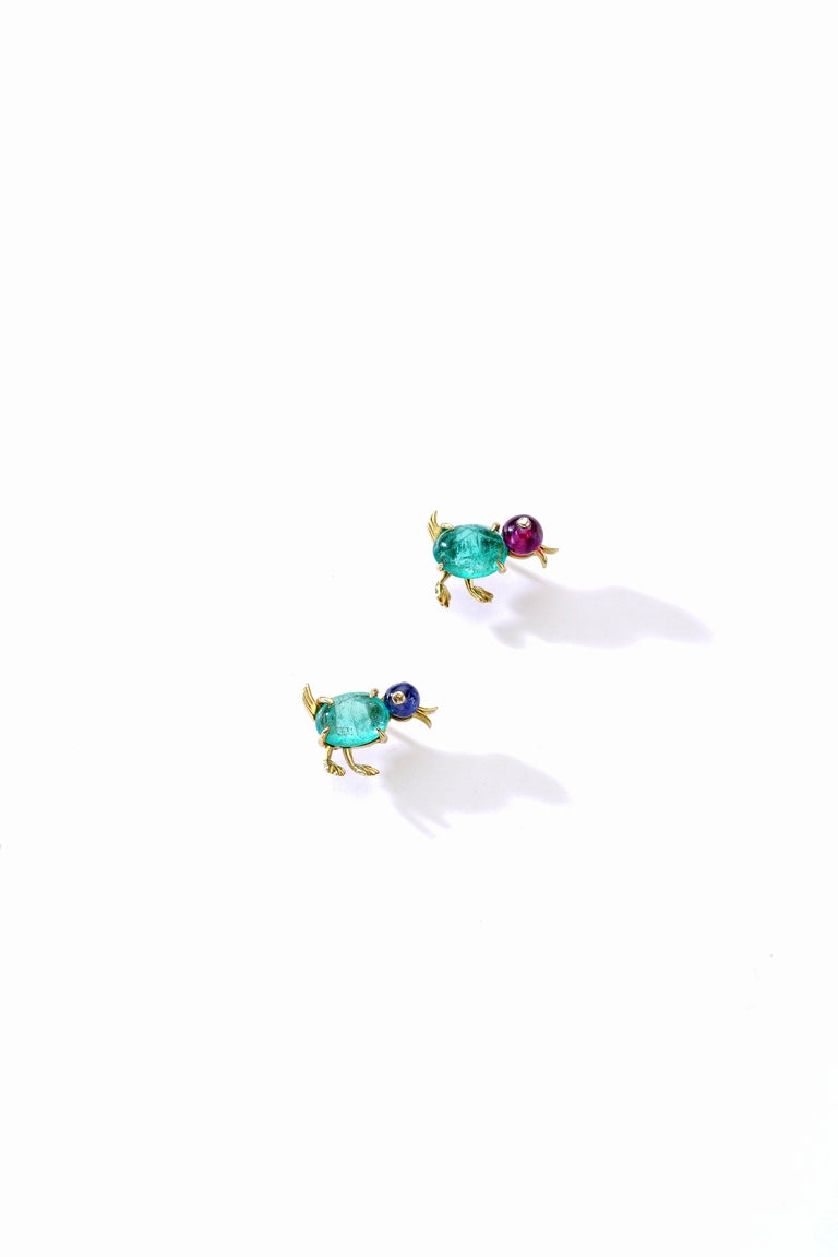 Lovely pair of baby Ducks Pins, could be worn as Clips Ear studs on yellow gold. Emerald cabochon, Sapphire and Ruby beads and Diamond rose-cut.  Size: 0.59 x 0.59 inch (1.50 x 1.50 centimeters).  Former collection of a French Lady.
