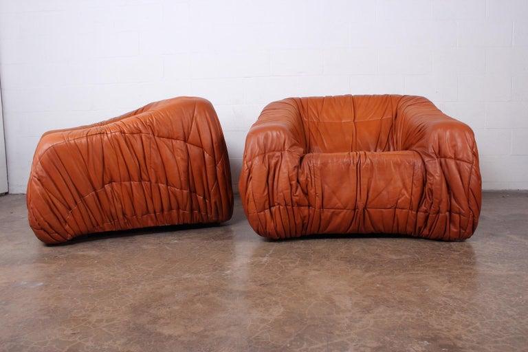Pair of 'Piumino' Lounge Chairs by De Pas, D'urbino & Lomazzi for Dell'Oca In Good Condition For Sale In Dallas, TX