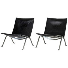 "Pair of ""PK 22"" Lounge Chairs by Poul Kjærholm"
