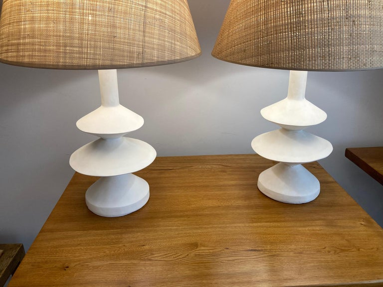 Pair of Plaster Lamps with Raffia Shades In New Condition For Sale In Paris, Ile-de-France