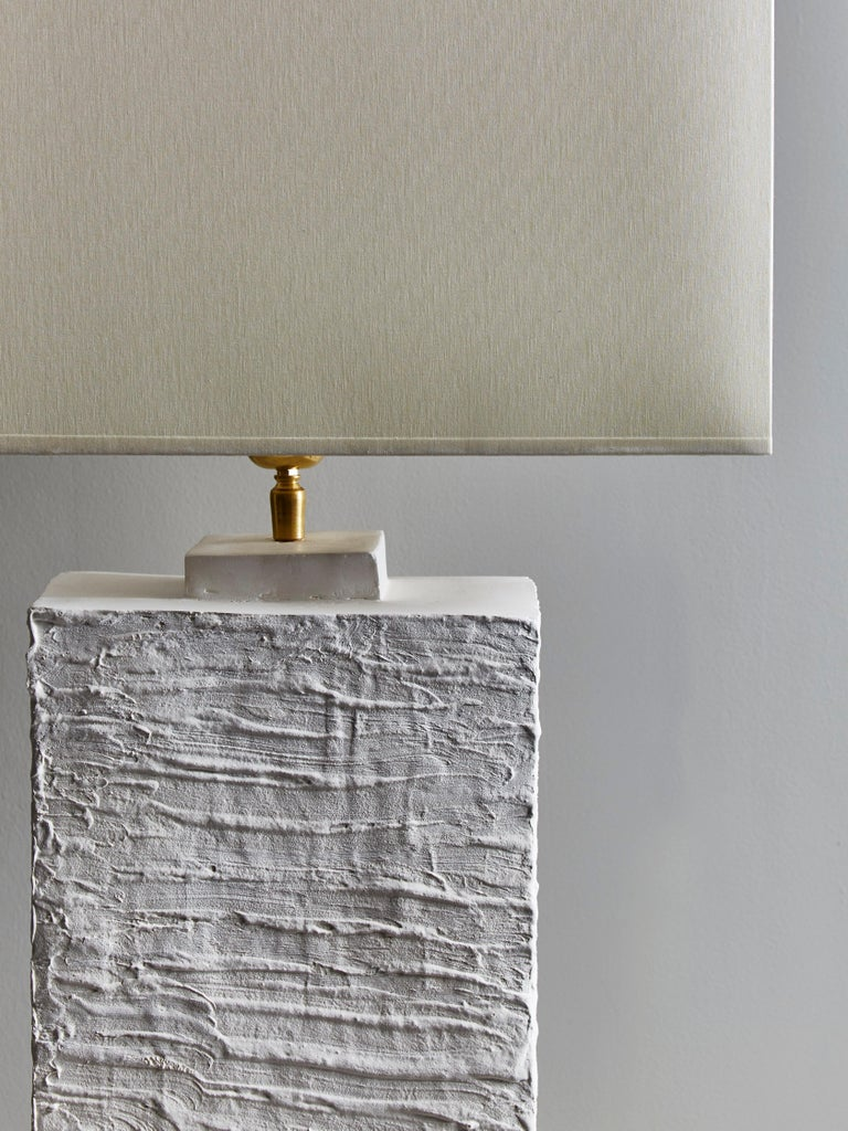 Pair of Plaster Rectangular Table Lamps In Good Condition For Sale In Saint-Ouen, IDF