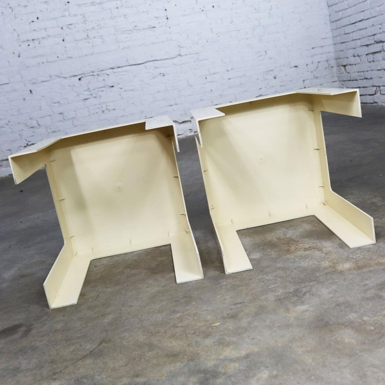 Pair of Plastic Parsons Side Tables White Style Kartell or Syroco, Midcentury For Sale 5