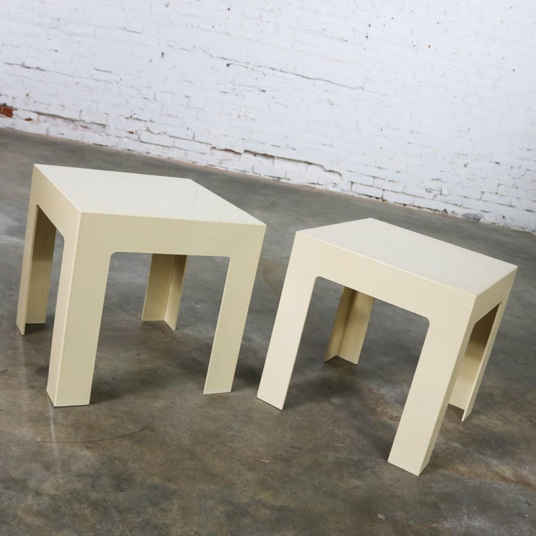 Pair of Plastic Parsons Side Tables White Style Kartell or Syroco, Midcentury For Sale 2