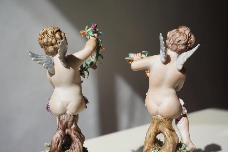 Pair of Porcelain Capodimonte Cherubs 20th Century Polychrome Putti Figures For Sale 7