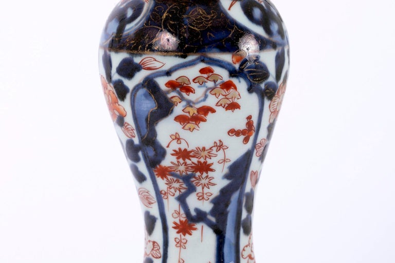 Pair of Porcelain Lamps with Imari Decor, Late 19th Century For Sale 1