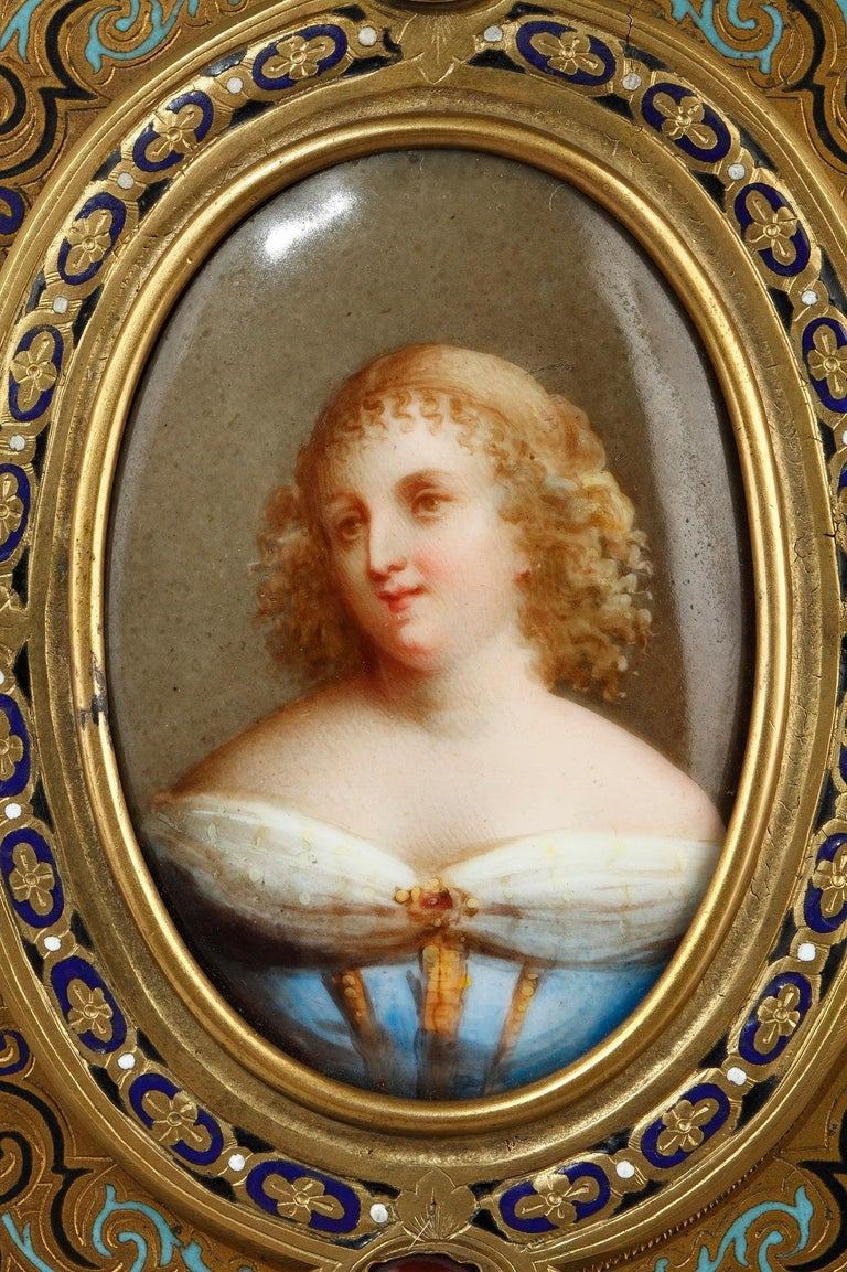 Pair of Porcelain Portrait, 19th Century Gilded Bronze Frame Signed A.Giroux For Sale 4