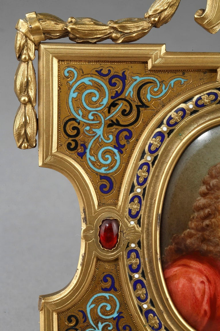 Pair of Porcelain Portrait, 19th Century Gilded Bronze Frame Signed A.Giroux In Good Condition For Sale In Paris, FR