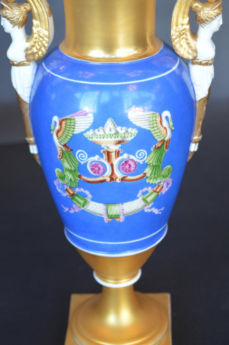 Pair of Porcelain Vases In Good Condition For Sale In Los Angeles, CA