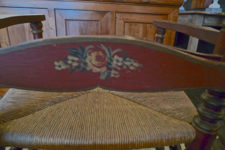 Pair of Portuguese Painted Ladder Back Armchairs with Rush Seat and Flower Motif For Sale 10