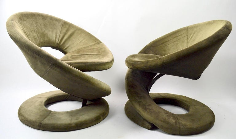 Post-Modern Pair of Postmodern Twist Chairs by Quebec 69 Jaymar Furniture For Sale