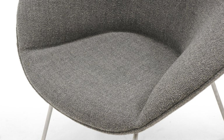 Pair of Pot Chairs by Arne Jacobsen for Fritz Hansen, Restored, Maharam Fabric 6