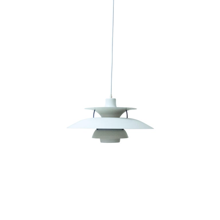 Danish Design Classic Pair of Poul Henningsen PH5 Pendant Lamps, 1960s In Good Condition For Sale In Renens, CH