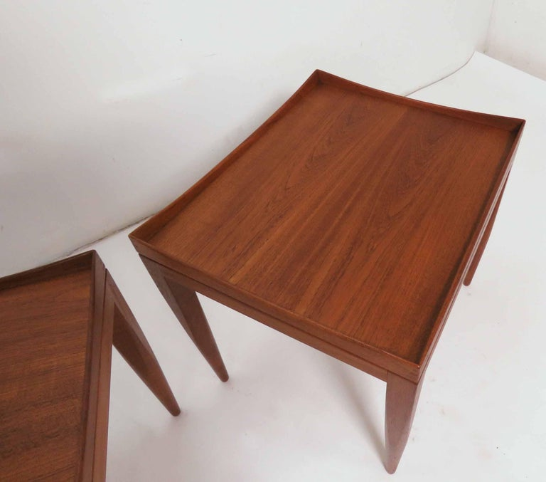 Poul M. Jessen Danish Teak End Tables with Removable Tray Tops circa 1960s, Pair In Good Condition For Sale In Peabody, MA