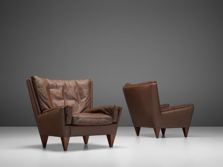 Scandinavian Modern Pair of 'Pyramid' Chairs in Leather by Illum Wikkelsø For Sale