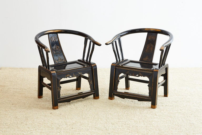 Chinese Pair of Qing Dynasty Lacquered Horseshoe Armchairs For Sale