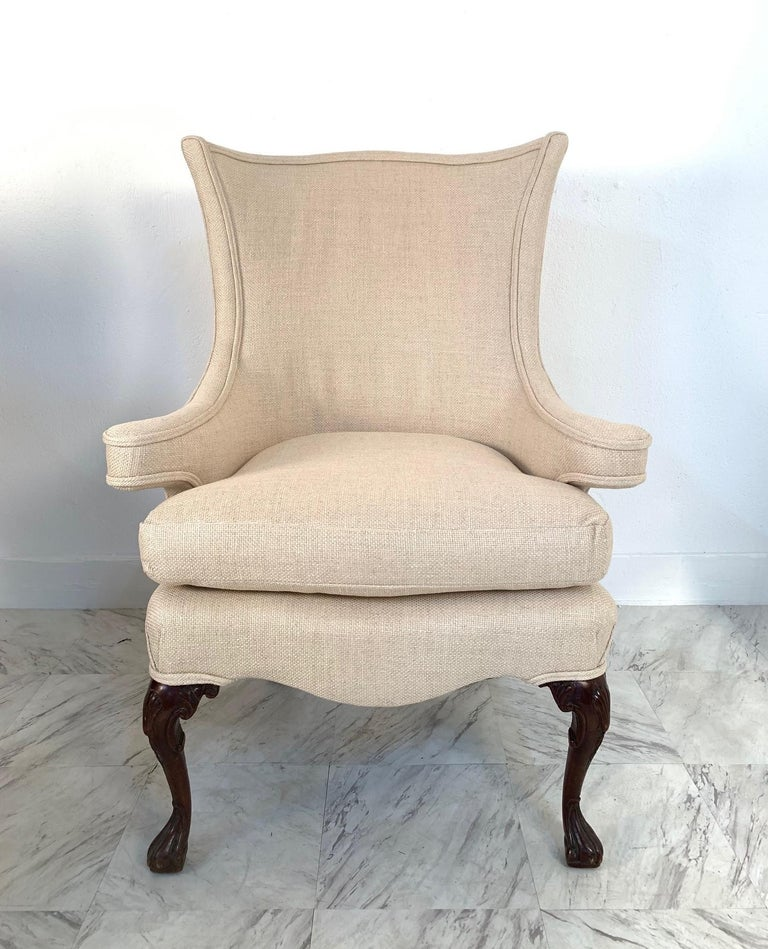 Pair of Queen Anne Style Wingback Chairs In Good Condition For Sale In New York, NY